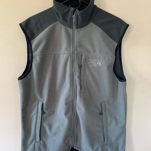 Mens mountain hardwear vest size l